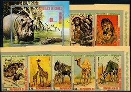 Guinea Equatorial Africa Animals, 1974, 7 Stamps + Block - Chimpancés