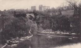 75. PARIS. CPA .PARC DES BUTTES CHAUMONT. UN COIN DU LAC. TEXTE ANNEE 1918 - Arrondissement: 19