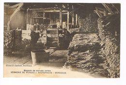 CPA. Bordeaux.Sécherie De Morues.Magasins Des Morues Vertes. J.Sauveroche. (F.007) - Bordeaux
