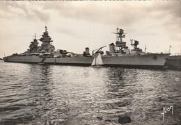 """CPSM - TOULON (Var) - Le Cuirassé """"RICHELIEU"""" - Warships"""