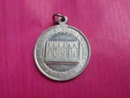 Médaille Ancienne   Tubize (belgique) Revers Châsse De Ste Renelde - Religion & Esotérisme