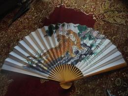 Quelques Petites Tâches, Traces Punaise - Art Asiatique