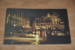 8229-    BRUXELLES, MAIN SQUARE AT NIGHT - Places, Squares