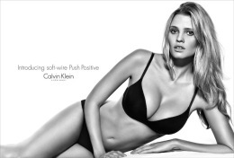 CALVIN KLEIN Advertising Postcad Sexy Girl/sexy Man - Size 15x10 Cm. Aprox. - Publicidad