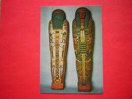 CPM PARIS MUSEE DU LOUVRE DEPARTEMENT DES ANTIQUITES EGYPTIENNES CERCUEIL DU CHANCELIER IMENEMINET  NON VOYAGEE - Musées