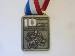 "Medaglia Sportiva ""16 MAI 2010 10 JAHRE HEILBRONNER TROLLINGER MARATHON - FINISHER"" - Firma's"