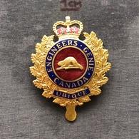 Badge Pin ZN008134 - Military (Army) Police Canada Engineering Branch - Militari