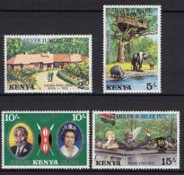 KENYA (  POSTE  ) Y&T N°  82/85  TIMBRES  NEUFS  SANS  TRACE  DE  CHARNIERE . - Kenya (1963-...)