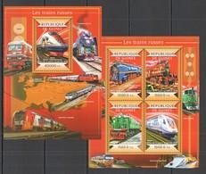 AA729 2015 GUINEE GUINEA TRANSPORT RUSSIAN TRAINS LES TRAINS RUSSES KB+BL MNH - Trains