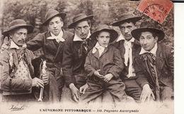 CPA L'AUVERGNE PITTORESQUE -- PAYSANS AUVERGNATS En 1930 - Auvergne