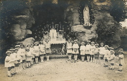 Carte Photo à Localiser Groupe Fillettes Ceremonie Religieuse Sainte Vierge Peut Etre Dept Du Cher - Enfants