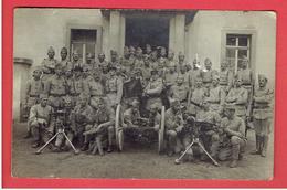 PHOTOGRAPHIE 1919 OCCUPATION EN ALLEMAGNE A KREUZNACH SOLDATS DU 55e MITRAILLEURS MITRAILLEUSE - Guerre, Militaire