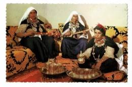 """L'heure Du Thé à Tiznit - Tea-time At Tiznit - Teestunde In Tiznit (Femmes Jouant Du """"Lotar"""" Banjo, Service à Thé) 1963 - Afrique"""