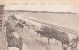 Charente Maritime        1136        Royan.La Plage Vers Vallieres ( Vue Prise Du Grand Hôtel ) ( Tramway ) - Royan