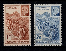 Madagascar - YV 229 & 230 N* (trace) Petain Cote 2 Euros - Neufs