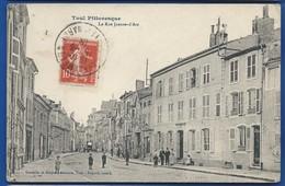 TOUL     Rue Jeanne D'Arc    Animées    écrite En 1915 - Toul