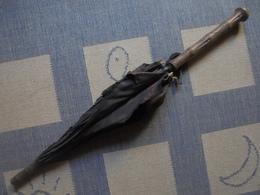 Ancien - Ombrelle, Parapluie Tige Et Poignée En Bois (A Restaurer) - Ombrelles, Parapluies