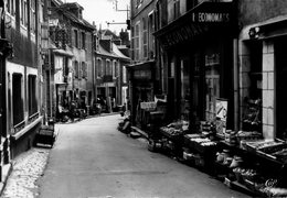 Montlucon La Rue Notre-Dame Devant Les économats - Montlucon
