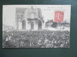 CPA 85 CHALLANS PLACE DE L'EGLISE MARCHE AUX CHEVAUX - Challans