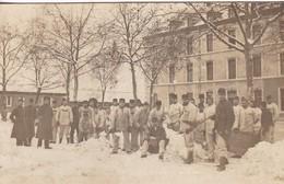 88 / REMIREMONT ? / TRES BELLE CARTE PHOTO / SOLDATS DENEIGEANT / NOTEE AU DOS - Remiremont
