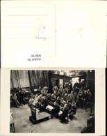 600199,Foto Ak Waage Halle Arbeiter Sitzen - Ansichtskarten