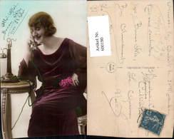 600190,Telefon Frau Telefoniert Blumen Rosen Pub P.C. Paris 644 - Berufe