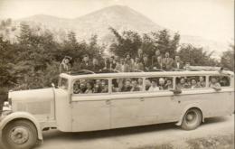 UN AUTOBUS DE L'ÉPOQUE  CARTE PHOTO NON SITUÉE - Bus & Autocars