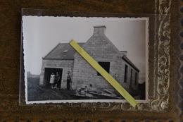 Finistère Ouessant  La Maison Du Gardien De Phare En Construction Année 60 - Ouessant
