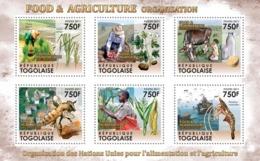 Togo  2011   Food & Agriculture Organization. Bee ,lobster - Togo (1960-...)