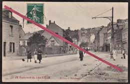 LE HAVRE - Graville -- Boulevard De Graville _ Au Fond Escalier Montmorency _ Rue Avec Habitations & Commerces. - Le Havre