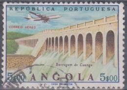 Angola 1965 Flugpostausgabe: Flugzeug über Bauten. Mi 519 5,00 E. Gestempelt - Angola