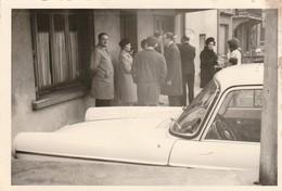 404 Peugeot : Et Personnages - Format 13cm X 9cm ( état Moyen ) - Auto's