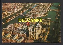 DF / 75 PARIS / VUE AÉRIENNE DE L' ILE DE LA CITÉ , NOTRE-DAME ET ILE SAINT-LOUIS - Notre Dame De Paris