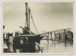 (Aviation) Accident De L'hydravion Marseille-Tunis . La Carcasse Retirée De L'Etang De Berre . 1938 . - Aviation