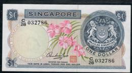 SINGAPORE  P1d 1 DOLLAR  1972 #C/28 Signature 3    AU-UNC. - Singapour