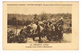 CPA.Madagascar.  Expédition Citroën Centre Afrique. Passage D'une Rivière. (F.257) - Madagaskar