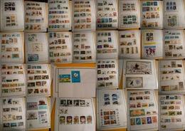 Corée Nord Et Sud - Collection De Timbres Montés Sur Charnières - Stamps