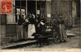 CPA LA FERTE-SAINT-AUBIN Voiture A Chien Les Laitieres (574813) - La Ferte Saint Aubin