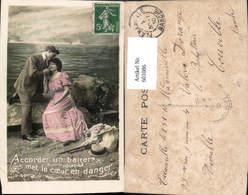 601086,Paar Liebe Händchenhalten Accorder Un Baiser Met Le Coeur En Danger Küste Ufer - Paare