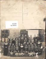 601014,Foto Ak Gruppenbild Kinder Buben Jungen M. Nonnen Nonne Schule - Ansichtskarten