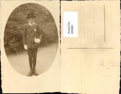 600989,Foto Ak Junger Mann Anzug Hut Buch I. D. Hand Firmung - Männer