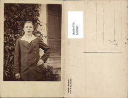 600983,Foto Ak Junger Mann Anzug V. Haus Tür Stehend - Männer
