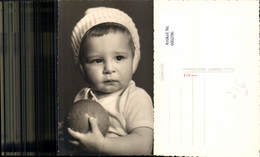 600296,Foto Ak Kind Ball Portrait Strickhaube Mütze Pub Herbert Henk Hollabrunn - Kinder