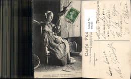 600215,Spinnrad Frau Coutumes Bretons Pluherlin Morbihan Une Fileuse De Chanvre Spind - Bauern