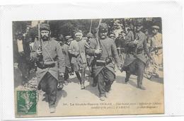 CPA Amiens Guerre 1914 1915 Officiers De Uhlans Conduits à La Prison D'Amiens - Amiens