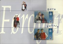 Faroe - National Costumes - 5.000ex, Mint With Folder - Islas Faroe