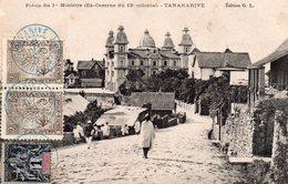 CPA, Tananarive, Palais  Du 1er Ministre (ex Caserne Du 13 Colonial), Animée, Timbres Madagascar Et Dépendances Oblitéré - Madagascar
