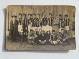 C.P.A. : Photo D'une Equipe De Joueurs, Maillots Rayés Verticalement, En 1925 - Football