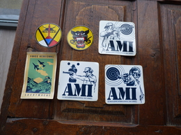 Autocollants Armée Belge, Us Et AMI - Militaria
