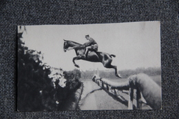 Equitation - Cavalier à L'entrainement. - Postcards